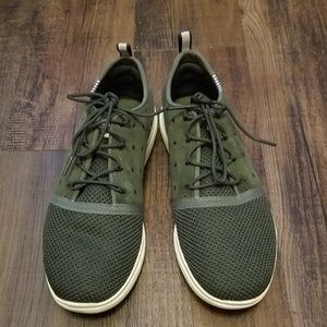 Under armour 9.5 olive green running shoes